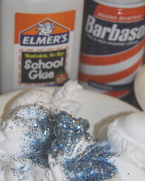 Fun Winter Kid's Activity – Use Snow Paint For 3D Snowman Fun