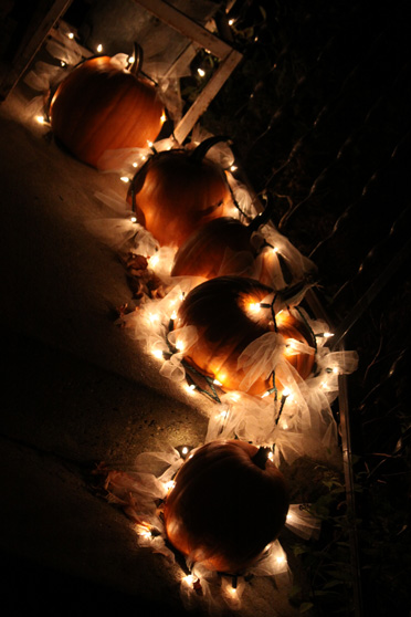 outdoor fall decoration using pumpkins tulle and christmas lights a spotted pony. Black Bedroom Furniture Sets. Home Design Ideas