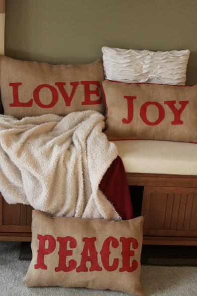 Homemade Christmas Decor – Burlap Pillows | A Spotted Pony