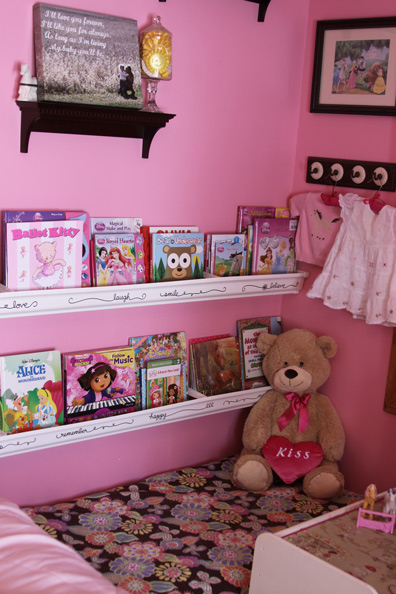 Repurpose a crib mattress to make a kids book nook a spotted pony then solutioingenieria Image collections