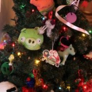 Kid's Christmas Tree Activity – Let Them Decorate Their Very Own Christmas Tree